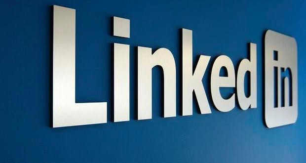 4 WAYS LINKEDIN CAN HELP YOU BOOST YOUR BUSINESS!